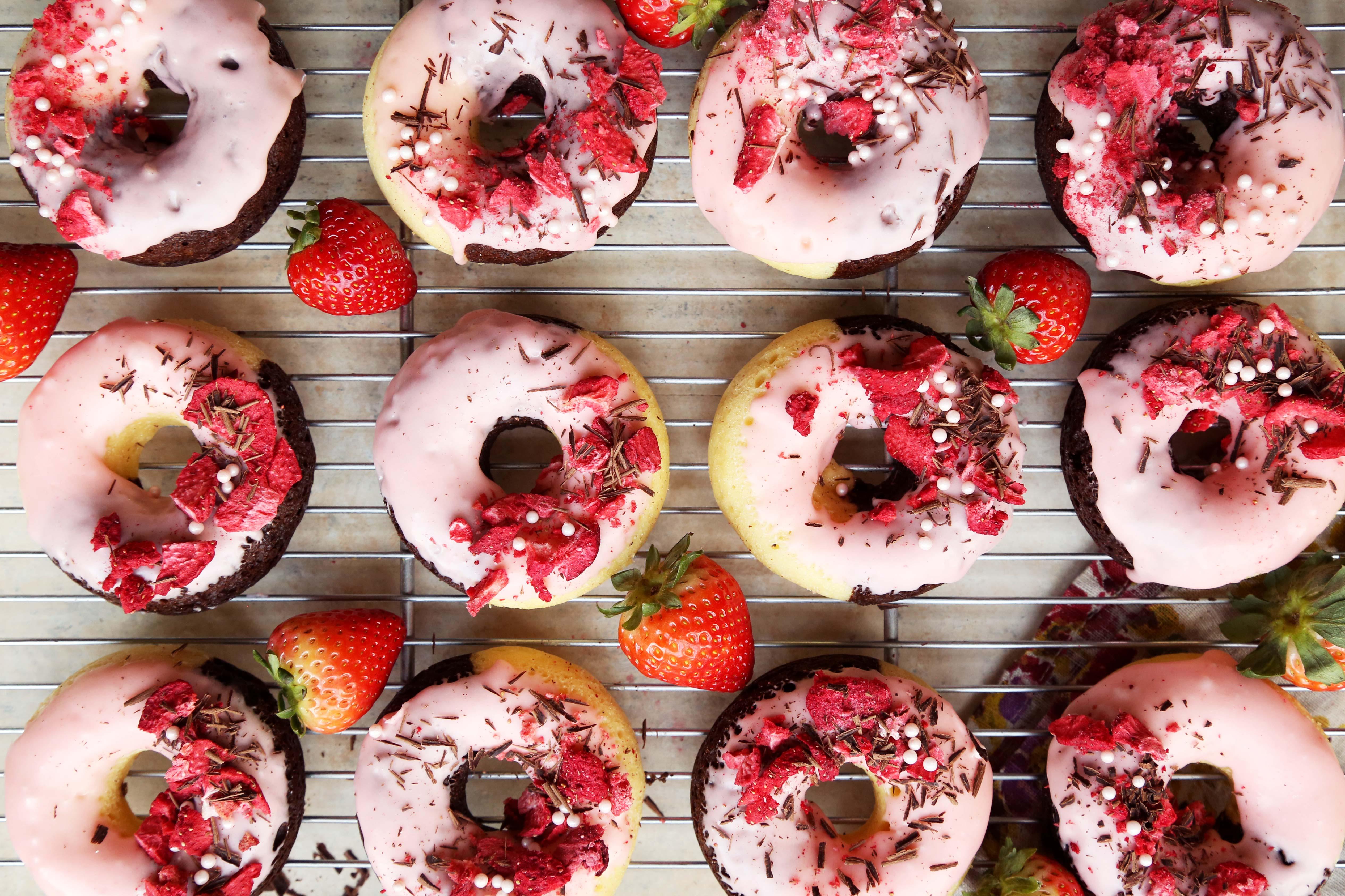 Baked Neapolitan Doughnuts