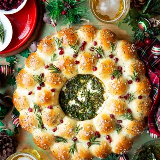 Baked Brie and Bread Wreath