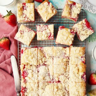 Strawberry Rhubarb Streusel Shortcake