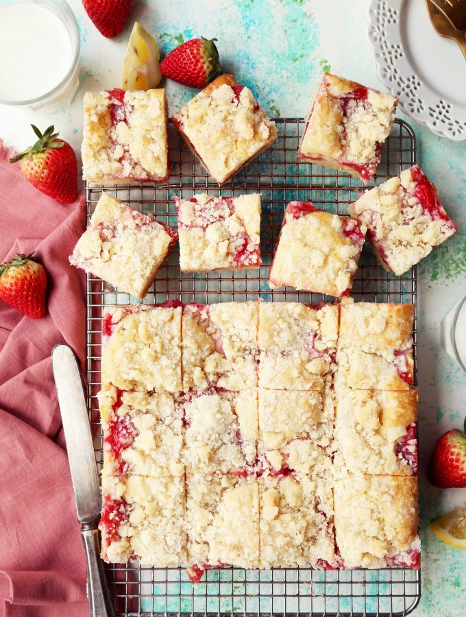 Strawberry Rhubarb Streusel Shortcake